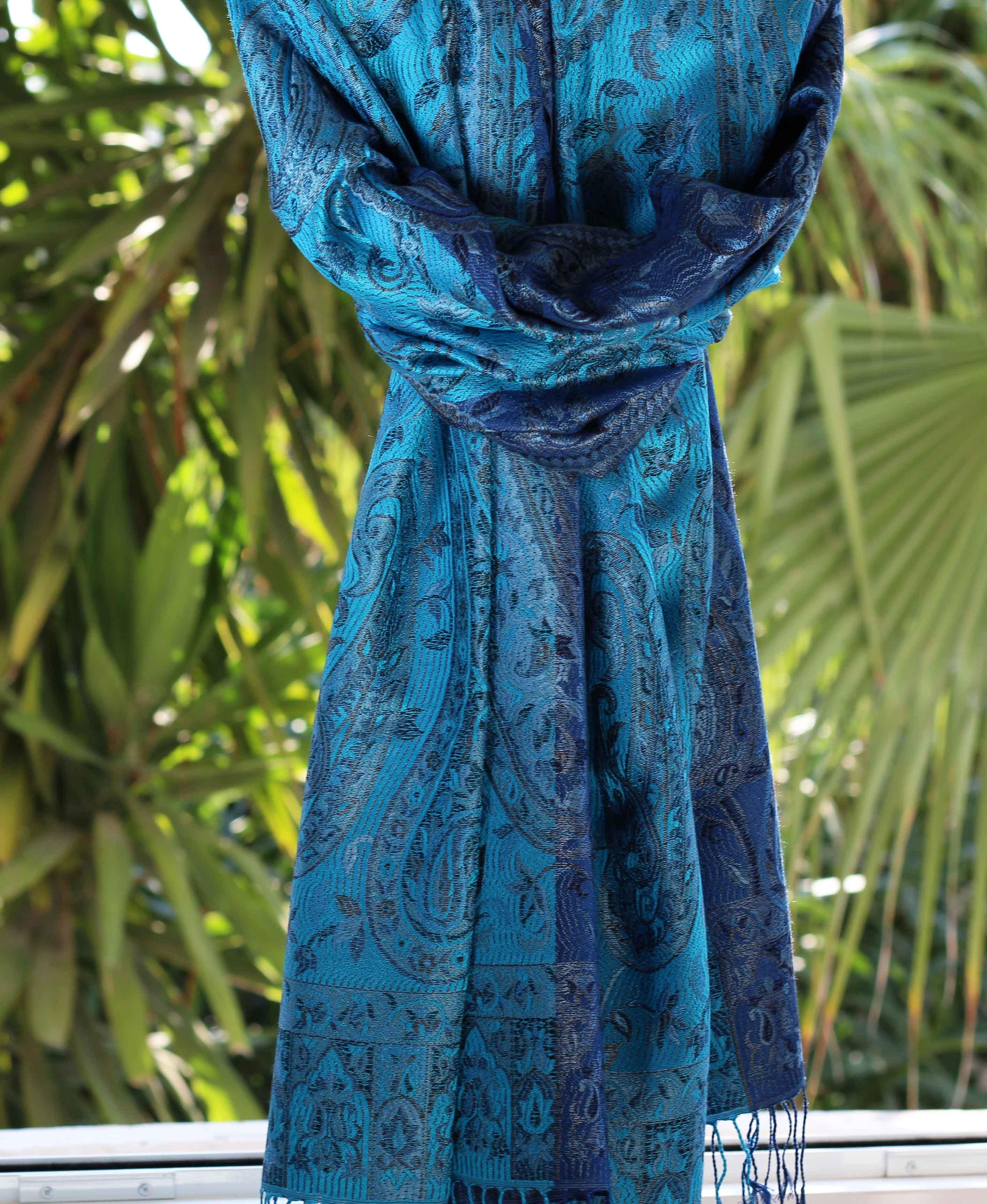 Étole en soie bleu nuit - Sajani f8752a3cf97
