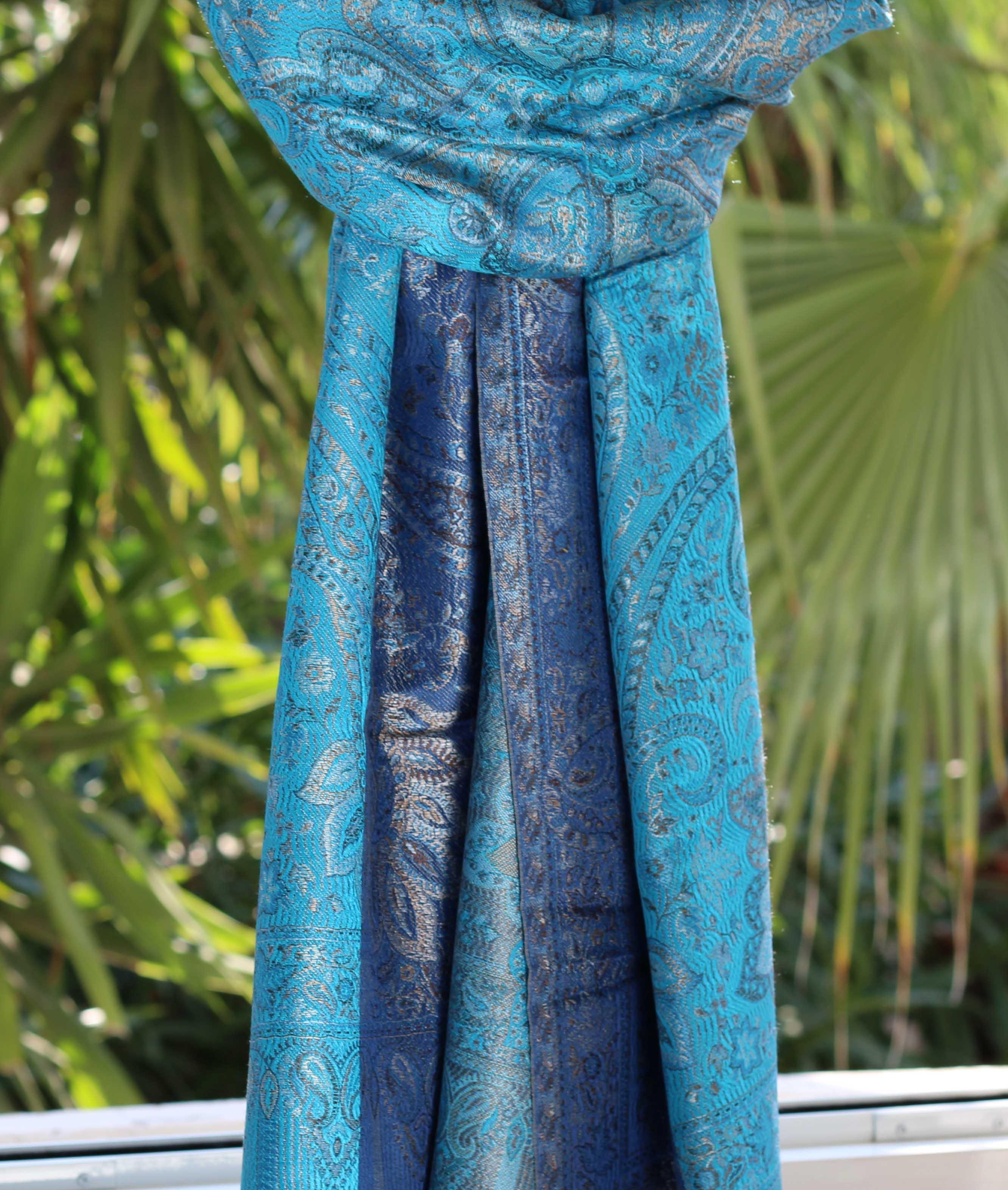 Étole en soie dégradé de bleus - Sajani 012c433f2c5