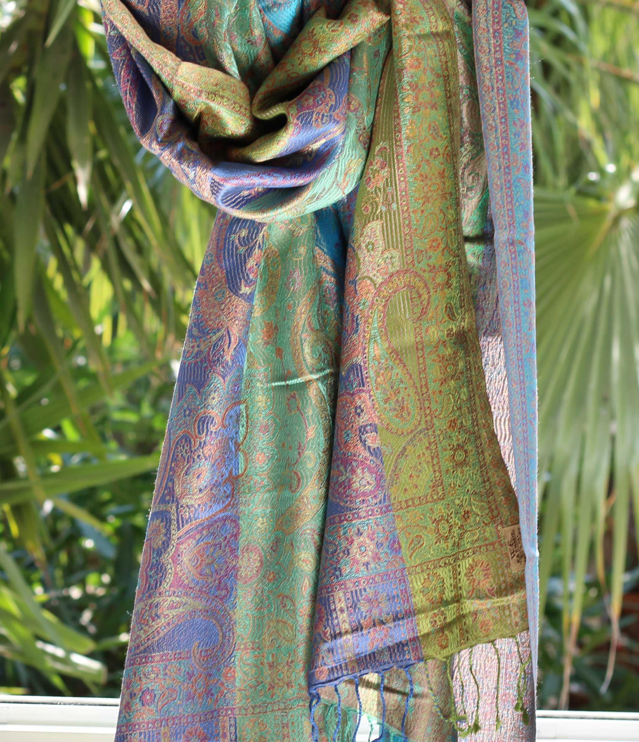 Étole en soie verts bleus - Sajani 558dfbe166c