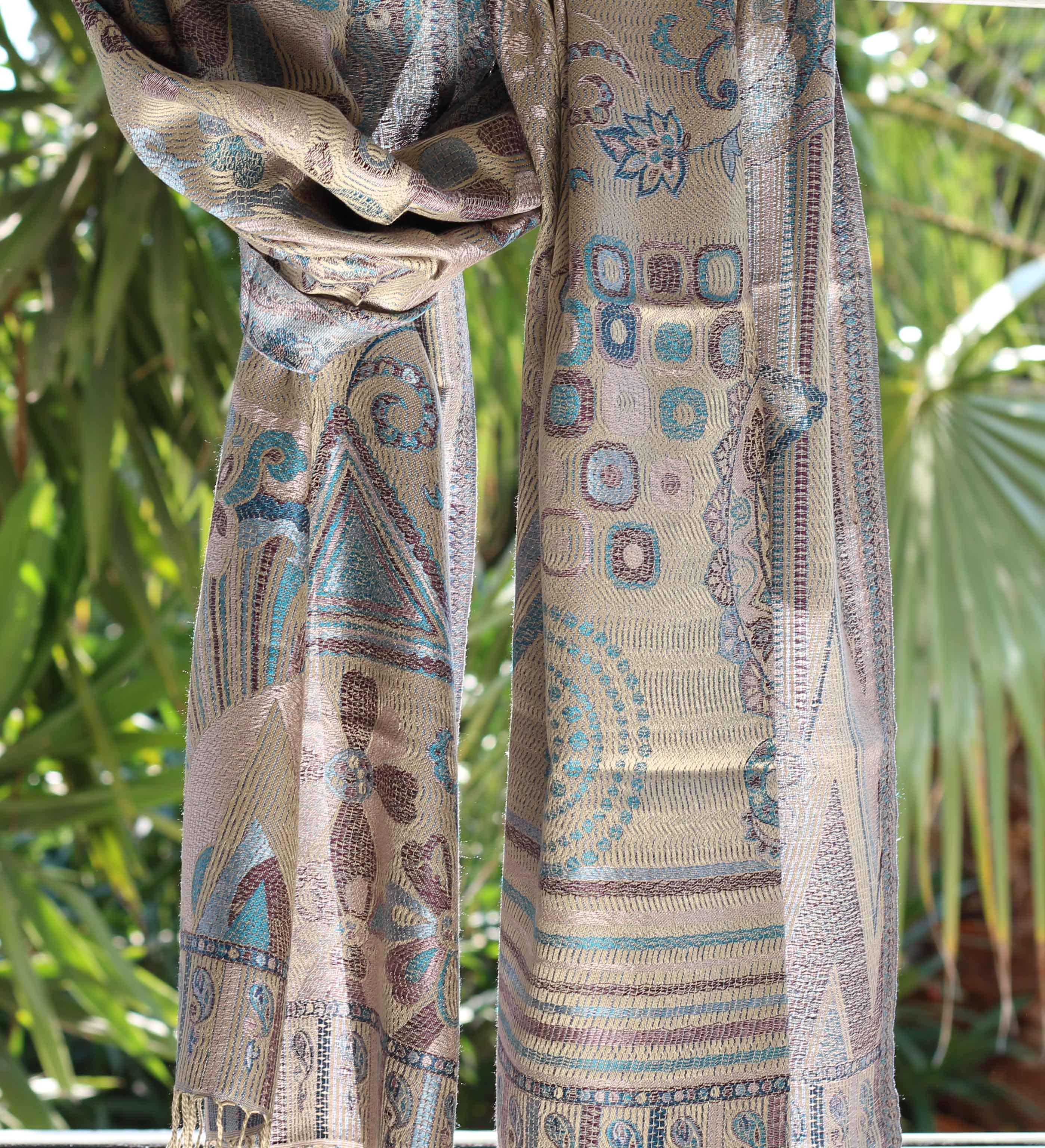 Étole en soie grise geo - Sajani 2910e47c048