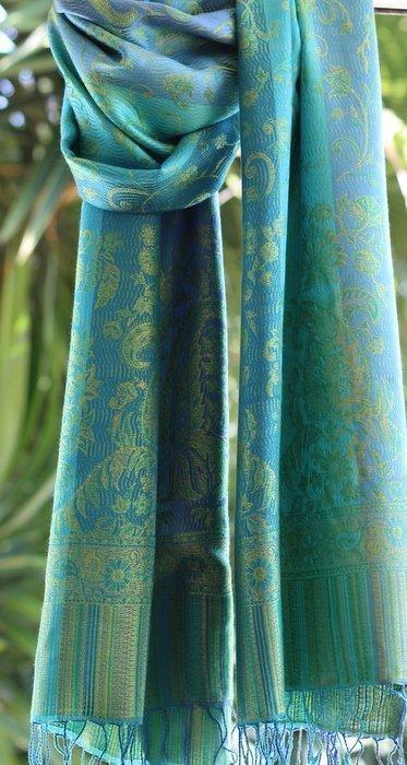 Étole en soie turquoise vert - Sajani 3431f12e069